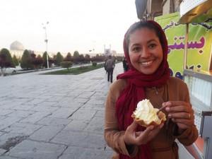 Delicioso sorvete de açafrão de Isfahan