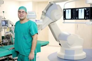 Marcus Martins, diretor do Hospital Pró-Cardíaco, no Rio de Janeiro: sala híbrida combina o uso de diferentes equipamentos para exames e atendimentos complexos.